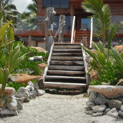 2. The house from the beach (2)